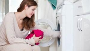 Βάλτε Μια Κάλτσα Με Φύλλα Στο Πλυντήριο Και Δείτε Τι Θα Συμβεί!