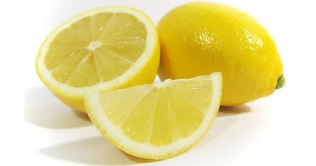 Φυσικό Απολυμαντικό με Χυμό Λεμονιού
