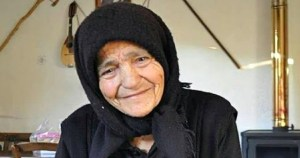 Ο πιο σημαντικός άνθρωπος στη ζωή σου είναι η γιαγιά σου. Την θυμάσαι;