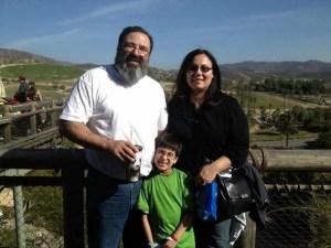 11χρονος γιος-ιδιοφυΐα Έλληνα ιερέα απαντά στον Χόκινγκ και αποδεικνύει ότι «Υπάρχει Θεός»