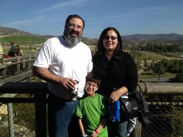 11χρονος γιος-ιδιοφυΐα Έλληνα ιερέα