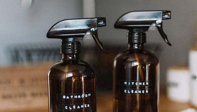 Read more about the article 4 φυσικά καθαριστικά για την κουζίνα, το μπάνιο και τα παράθυρα φτιαγμένο από σένα