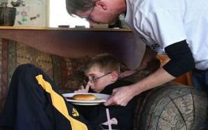 Read more about the article Μυστήριο με αγόρι που δεν πεινάει και δεν διψάει