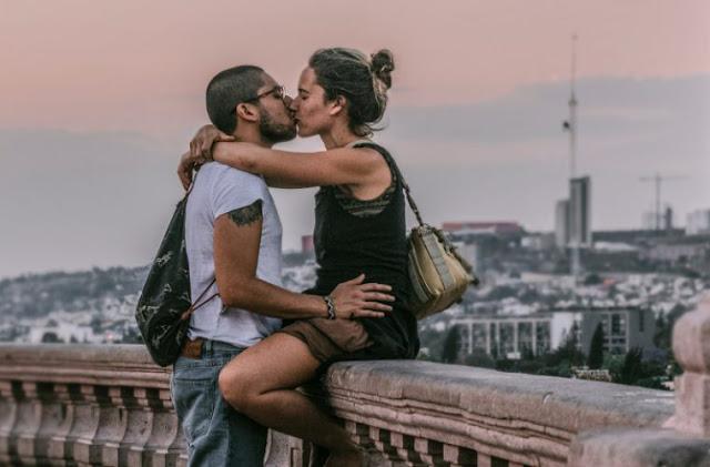 Read more about the article Έλκονται σαν μαγνήτης: Αυτό το ανδρικό ζώδιο είναι μοιραίο να ερωτευτείς ανάλογα με το ζώδιο σου