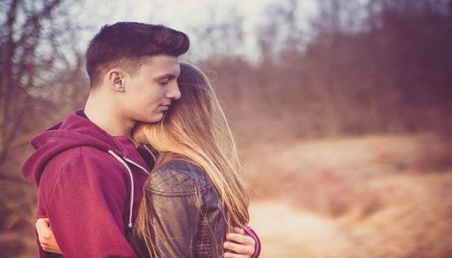 Τρυφερή αγκαλιά: Γιατί την επιθυμούν όλες οι γυναίκες;