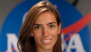 Read more about the article «Μπορείς να γίνεις ό,τι ονειρεύεσαι»: Η Ελένη Αντωνιάδου της NASA στέλνει ένα υπέροχο μήνυμα σε όλα τα κορίτσια