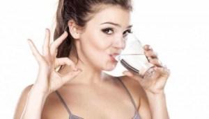 "To ""super"" ρόφημα που πρέπει να πίνεις πριν το φαγητό για να χάσεις κιλά!"