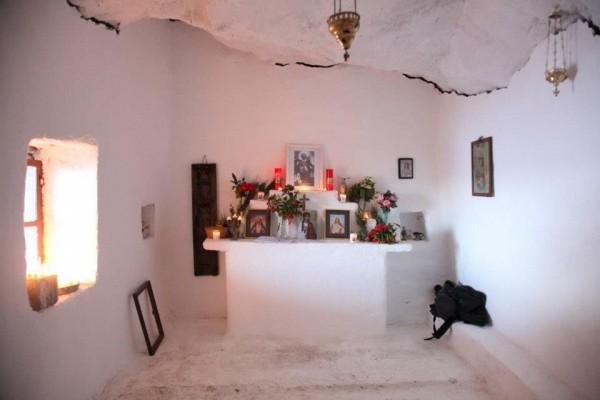έχτισε το εκκλησάκι προς τιμήν του Αγίου Στέφανου, που τον είχε γλιτώσει