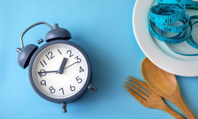 Δίαιτα με νηστεία μέρα παρά μέρα: Είναι όσο αποτελεσματική λένε;