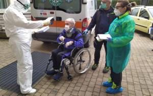 Ιταλία: 100χρονος με κορωνοϊό έγινε καλά και πήρε εξιτήριο