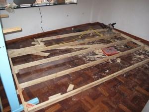Μας προτείνει μια ξύλινη κατασκευή για το δωμάτιό μας!