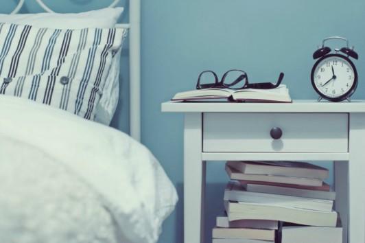 Αποφύγετε να βλέπετε τηλεόραση τουλάχιστον μια ώρα πριν τον ύπνο