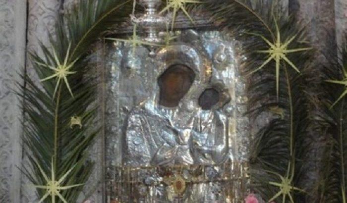 Παναγία Εκατονταπυλιανή: Ένα Συνεχές Θαύμα…