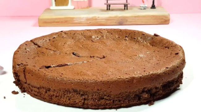 Εύκολο γλυκό σοκολάτας (σαν φοντάν)