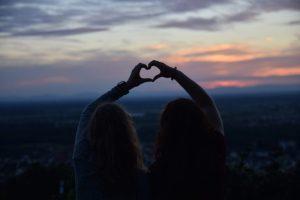 Read more about the article Να τους αγαπάτε τους φίλους σας, και να τους το δείχνετε με κάθε ευκαιρία