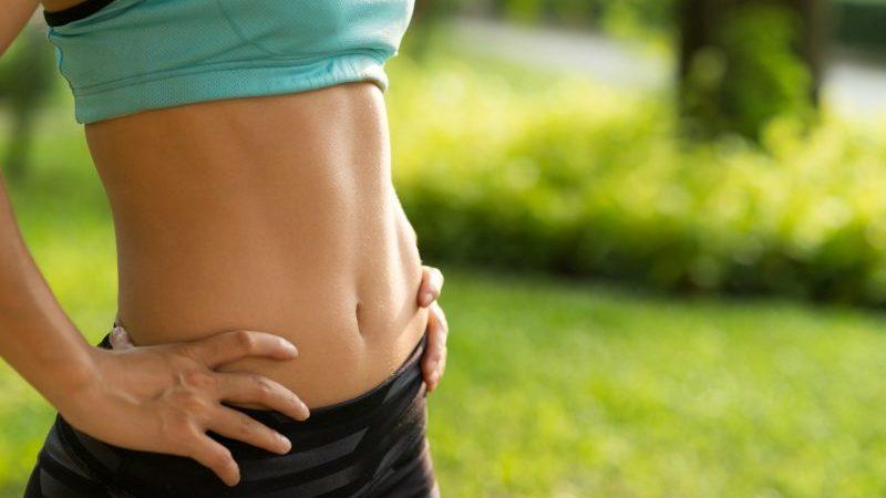 4 τρόποι για να αποκτήσεις επίπεδη κοιλιά