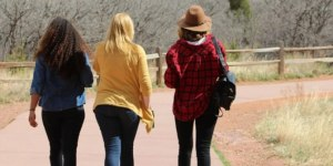 Read more about the article Γι' αυτό παχαίνουν οι έφηβοι -Καίνε θερμίδες πιο αργά από τα 10 έως τα 16 τους χρόνια