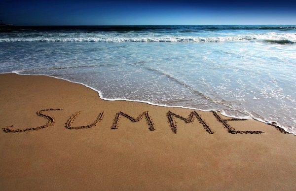 Read more about the article Πως παρατείνει το καλοκαίρι του το κάθε ζώδιο