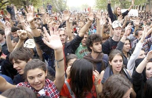 L'indignazione di una generazione è giusta e sacrosanta