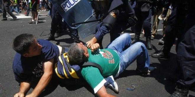 «Vietato pubblicare immagini della polizia»