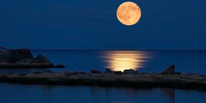 Vogliamo la luna… Prima un passo indietro per prendere la rincorsa