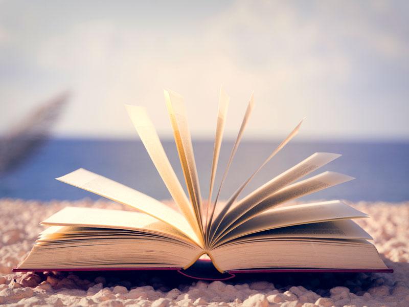 La Top ten dei libri dell'estate 2018: da leggere sotto l'ombrellone (o sotto le stelle)