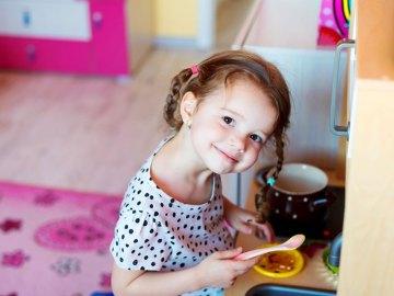 La cucina giocattolo, un gioco da bambini (e non solo da bambine)