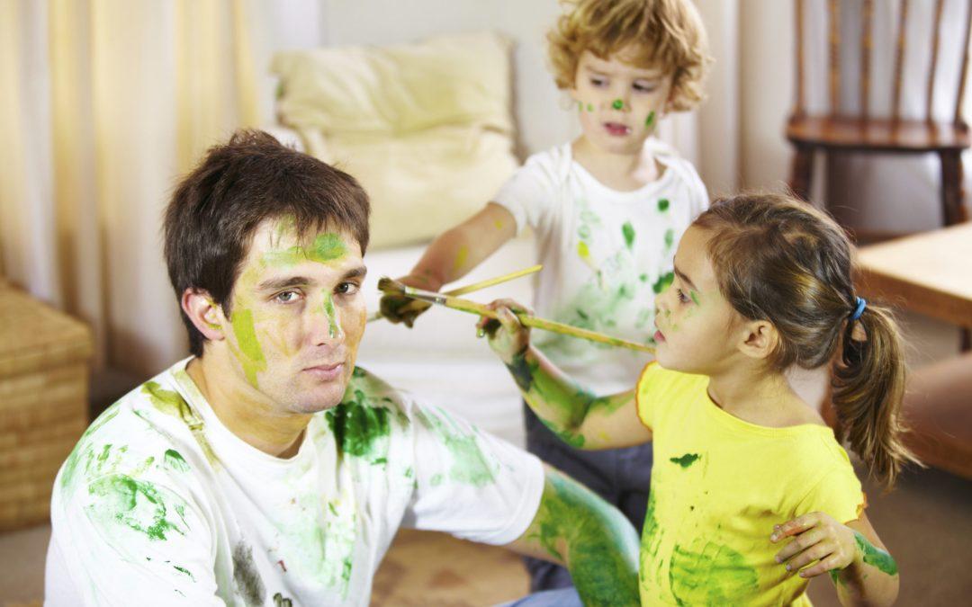 Mettere in regola la babysitter: i consigli dell'avvocato