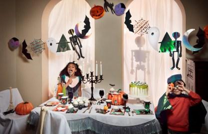 Decoriamo il salotto da paura: le tendenze di Halloween