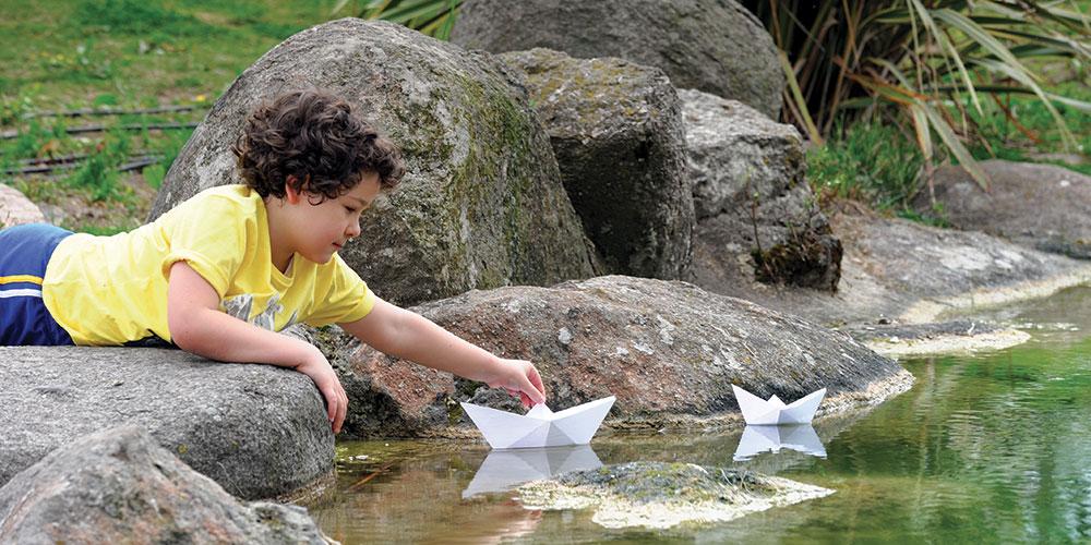 Con le barchette per laghetti e specchi d'acqua, a Milano e dintorni