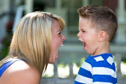 Urlare fa male: l'educazione al rispetto e a lungo termine