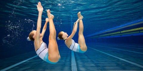 Nuoto sincronizzato: musica, coordinazione e tanta tenacia