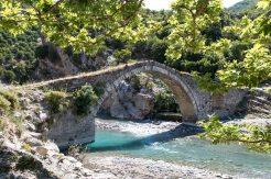 Antike osmanische Brücke, Benje, Albanien
