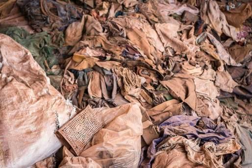 Reisebericht Ruanda: Kleidung der Verstorbenen