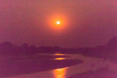 Mondaufgang über dem Luangwa-Tal