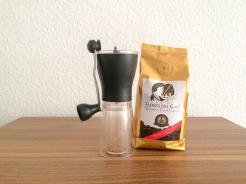 Flores-des-Cafe-und-Kaffeemuehle