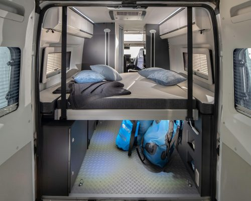 1808_TWIN_SUPREME_640_SGX_rear_bed_lowest_position_4BC7982