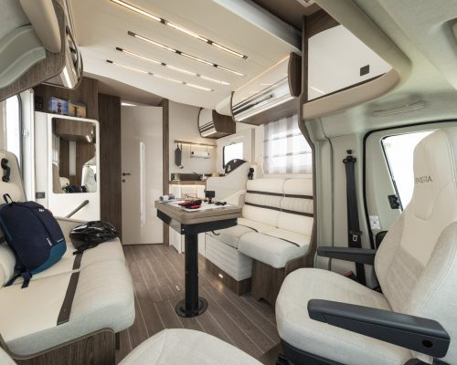 Caravansinternational__Riviera_67_XT___Semintegrale__Camper__29__a1800x900