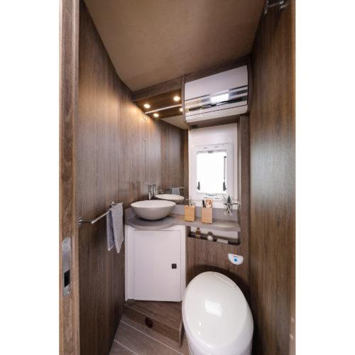 Caravansinternational__Riviera-87-XT__Semintegrale__Camper-(59)