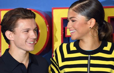 Zendaya And Tom Holland Romance In Spiderman Movie ...