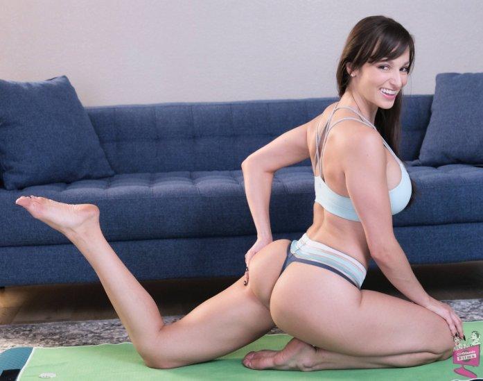 Lexi Luna Yogasms