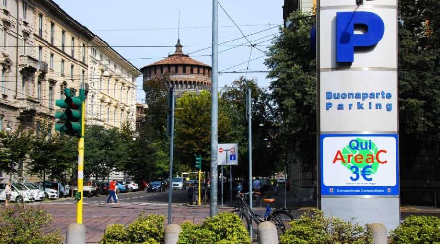Free parking in Milan