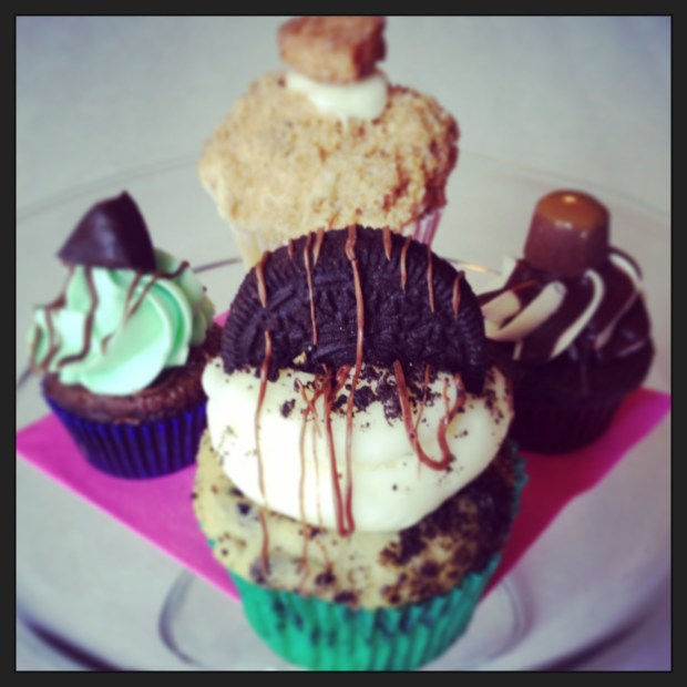 B Candy Cupcakes | Girl on the Move Blog
