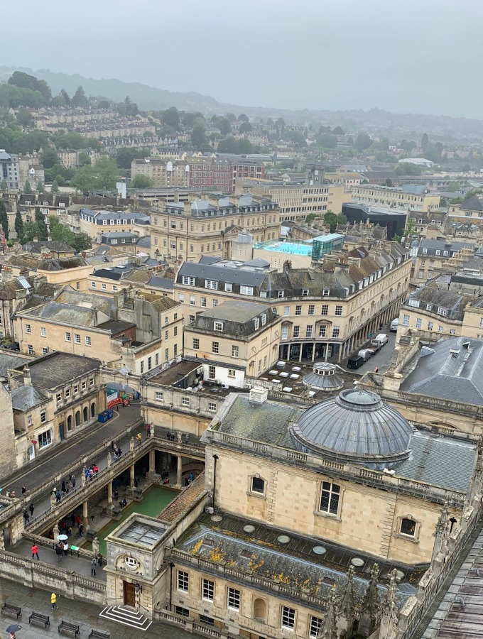 With only 24 hours in Bath, here's how to plan your day: Bath Abbey, free walking tour, Roman Bath's, Sally Lunn's Bath Bunn, Royal Crescent and more.
