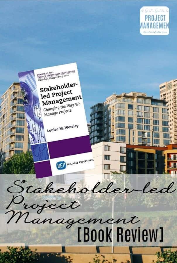Revisión de libros de gestión de proyectos dirigida por las partes interesadas