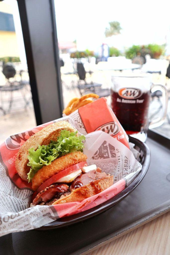 【沖繩美食】A&W美式漢堡Outlet Mall Ashibina /沖繩限定 @女子的休假計劃