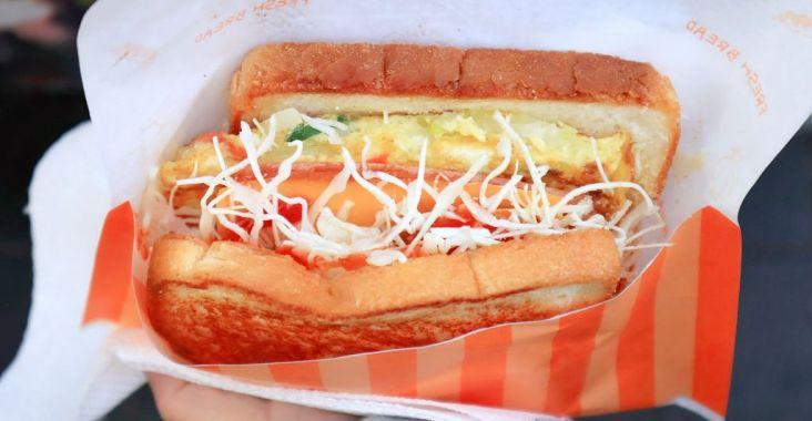 【明洞早餐】明洞烤麵包漢堡(명동 햄버거 토스트),在地人氣行動早餐車,紅到國外去。 @女子的休假計劃