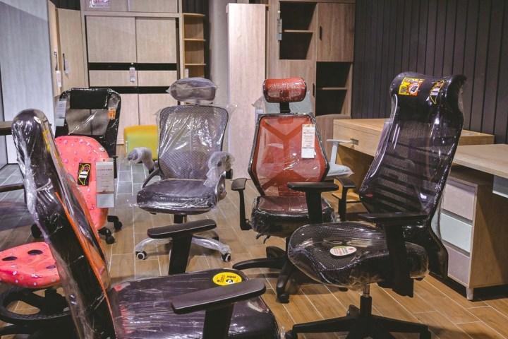【台南家具推薦】億家具批發倉庫台南店;全館六折起,價格實在還可客製化傢俱。 @女子的休假計劃