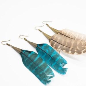 Grote boho bohemian oorbellen met veer kopen bruin blauw
