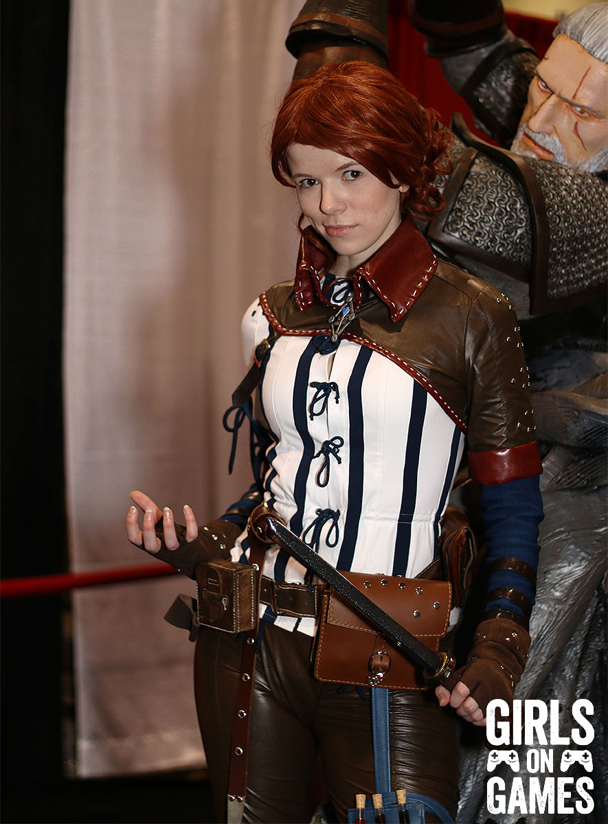 Triss (The Witcher) cosplay at Fan Expo 2015